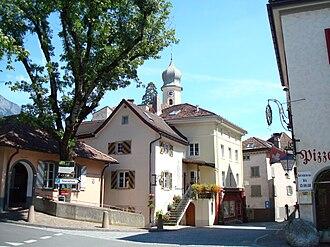 Maienfeld - Image: Maienfeld, Graubünden, Szene im Ort 1