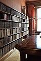 Maison Leon Losseau - bureau bibliotheque - collection de livres.jpg