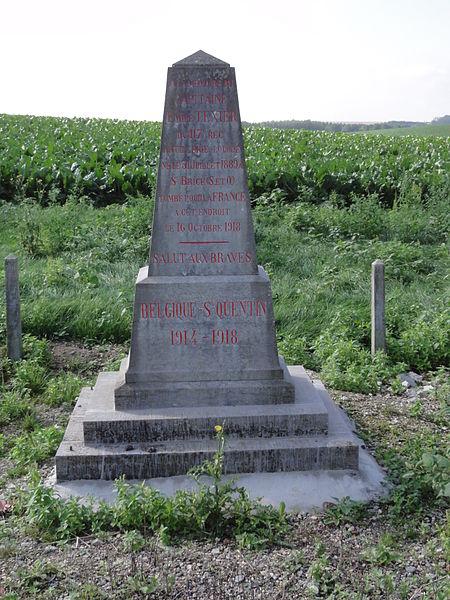 Marcy (Aisne) stèle monument d'un soldat 1918