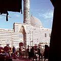 Markt bij de moskee Sinan Pasha - Stichting Nationaal Museum van Wereldculturen - TM-20036612.jpg