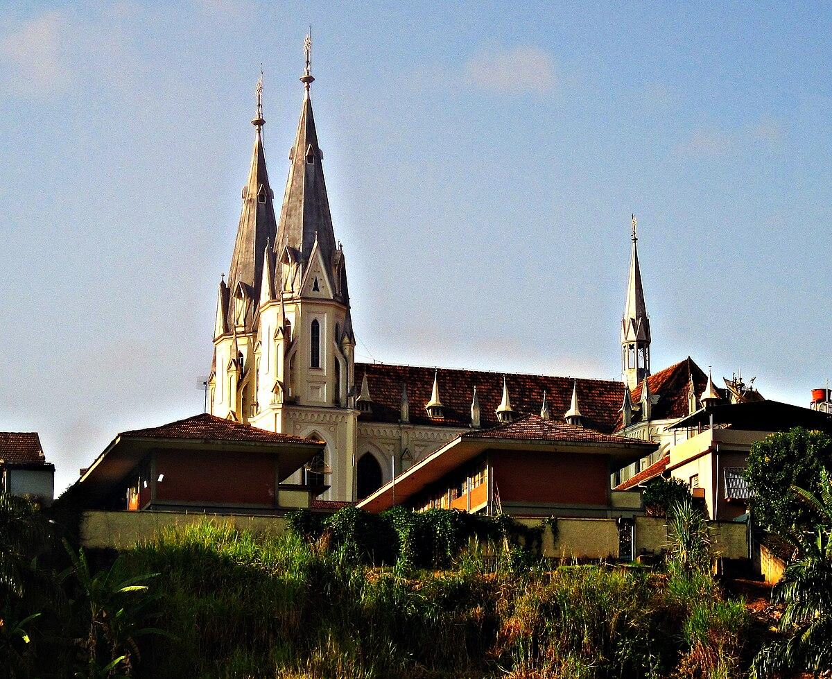 Ponte Nova Minas Gerais fonte: upload.wikimedia.org