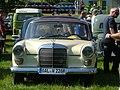 Mercedes-Benz aus OAL - panoramio.jpg