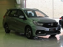the facelift model honda mobilio rs indonesia