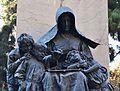 Monument al Marqués de Campo de València, al·legoria de la Caritat.JPG