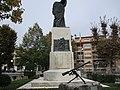 Monumento caduti Avezzano lato dx.jpg