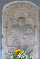 Moosbach Pfarrkirche - Priestergrab 2.png