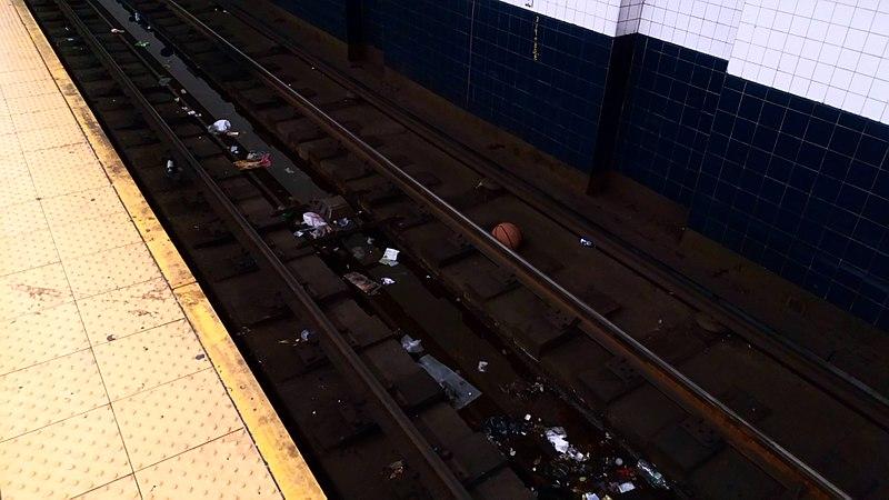 File:NYC, garbage on rails.jpg