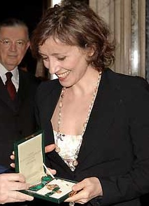 Nicoletta Braschi - Braschi receiving an award in 2005