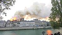 Notre-Dame de Paris, Incendie 15 avril 2019 19h23.14.jpg