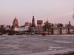 Novodevichy Convent-2005-1.JPG