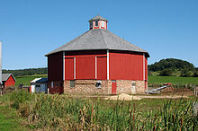 Round barn - Wikipedia
