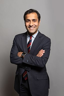 Official portrait of Rehman Chishti MP