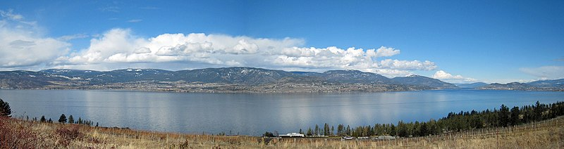 File:Okanagan Lake looking West - panoramio.jpg