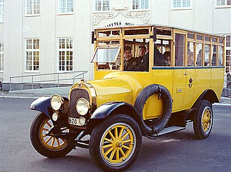 School bus yellow - Image: Older swedish mailbus
