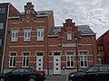 Onderwijzerswoning en politiekantoor, Kolonel Van Heesbekestraat 7-9, Leopoldsburg.jpg