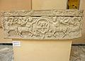 Ostia antica antiquarium - sala dei sarcofagi - infantile con lupa capitolina P1010019.jpg
