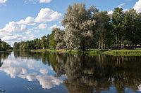 Põltsamaa River and trees in Põltsamaa.JPG