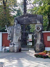 PL Warsaw Stare Powązki brama sw honoraty.jpg
