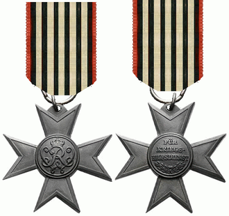Merit Cross for War Aid - Obverse and reverse of the Merit Cross for War Aid