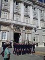 Palacio Real durante el cambio de guardia.jpg
