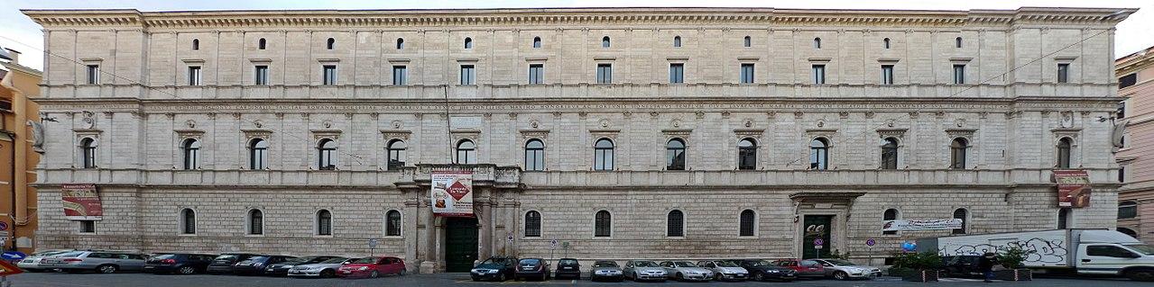 1280px-Panorama_Palazzo_della_Cancelleria.jpg