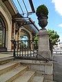 Pavillon des Sports du Palace, détail de la terrasse de l'entrée.jpg