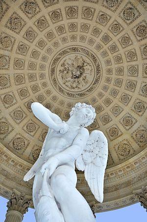 Temple de l'Amour - Image: Petit Trianon Temple de l'Amour Coupole et statue