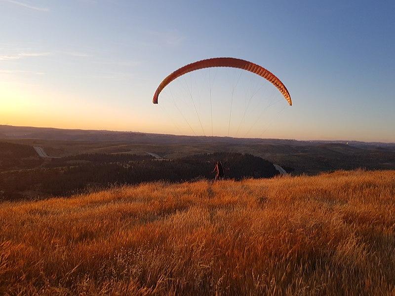טיסה במצנח רחיפה בהר חירן