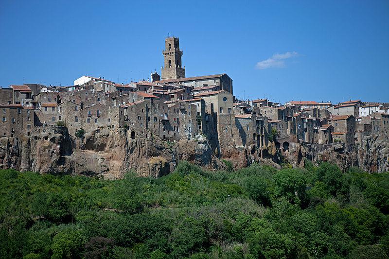 File:Pitigliano - Tuscany, Italy (5860499513).jpg