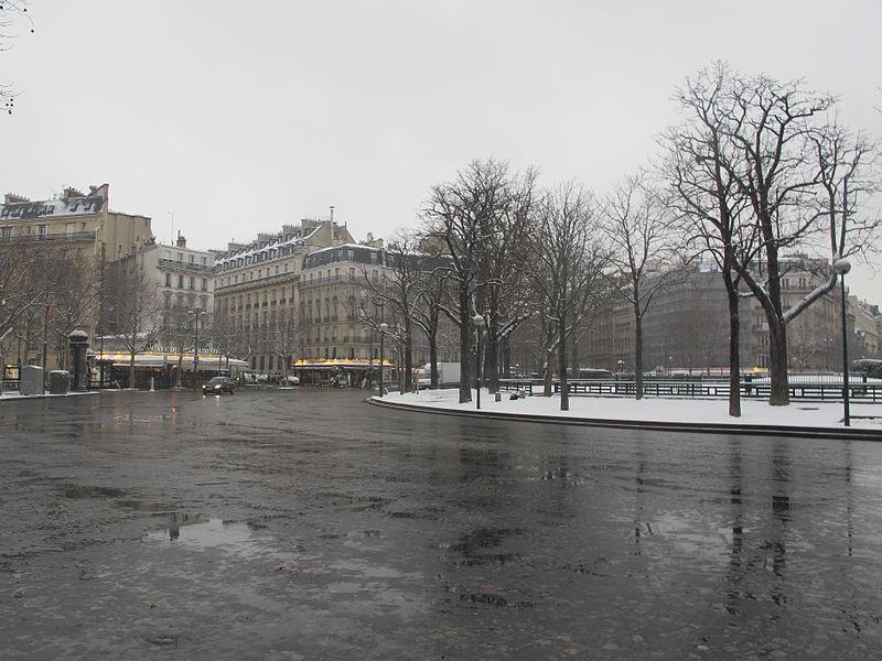 Fichier:Place du Trocadéro - neige - 3.JPG