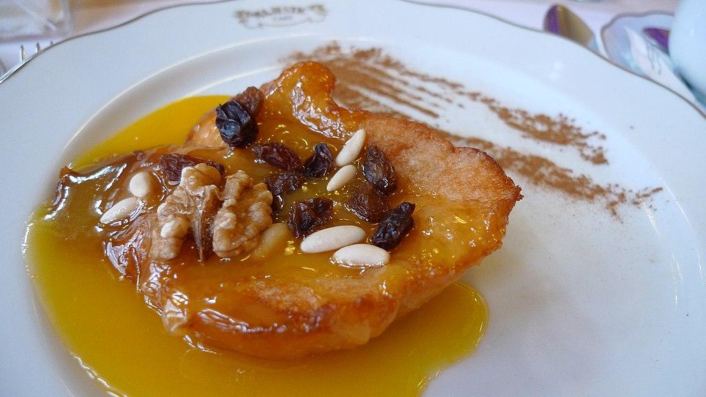 Douceur dans un des plus beaux cafés historiques de Porto : Le Café Majestic. Photo de tak.wing