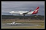 QANTAS 737-800 VH-VZA landing Canberra 01 (5513317401).jpg