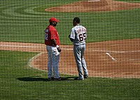 Randall Simon and Jair Jurrjens.jpg