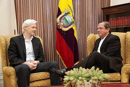 Ecuadoran foreign minister Ricardo Patino met with Assange at the Ecuadorian Embassy on 16 June 2013 Reunion con Julian Assange - 9060714006.jpg