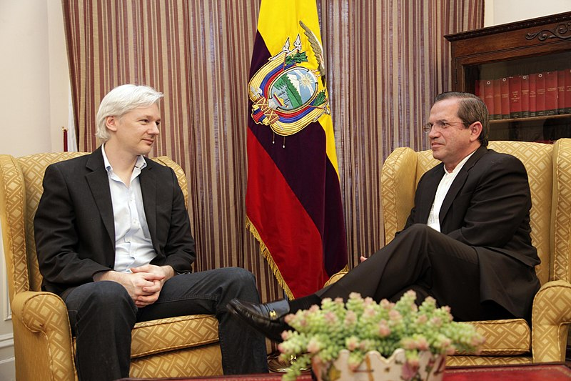 Ecuadoran Foreign Minister Ricardo Patiño met with Julian Assange in London.