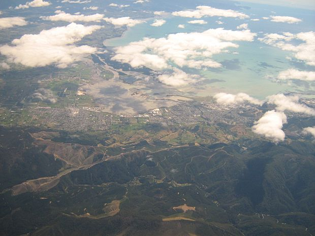 Southern suburbs of Nelson (right) and the nearby town of Richmond (left) seen from the air Richmond And Nelson From Southeast.jpg