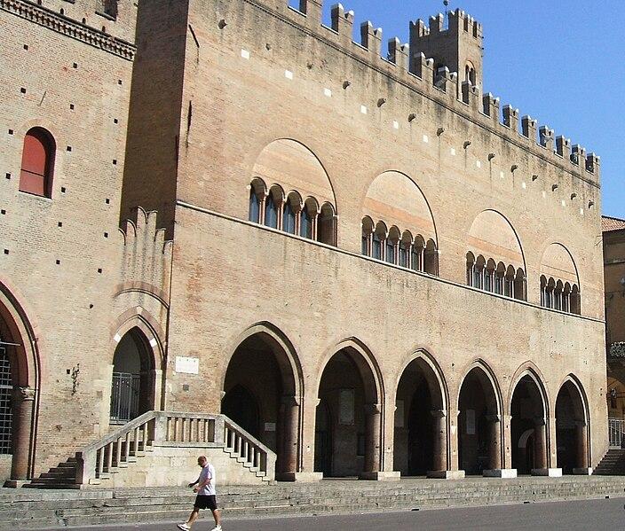 File:Rimini Palazzo dell'Arengo.JPG