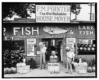 Walker Evans - Roadside stand near Birmingham, Alabama