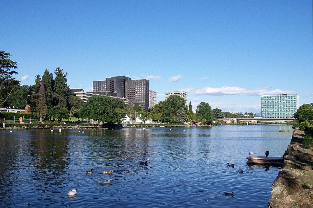 Parco centrale del lago wikipedia for Il laghetto