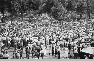 Oskaloosa, Iowa - Theodore Roosevelt campaigns in the Oskaloosa city square in the fall of 1912.