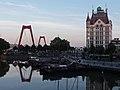 Rotterdam, het Witte Huis RM334003, de Willemsbrug en de Oude Haven foto5 2015-08-01 20.51.jpg