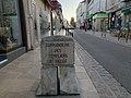 Rue du Temple (Auxerre) - une borne.jpg