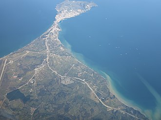 Boztepe Peninsula - The mainland, isthmus and the peninsula seen from the west