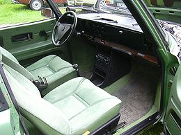 Saab99turbo-green-interior.jpg