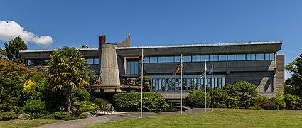 Saanich Municipal Hall, Victoria, British Columbia, Canada 08.jpg