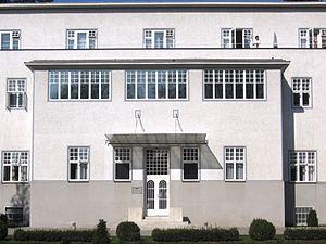 Sanatorium Purkersdorf - Garden side entrance.