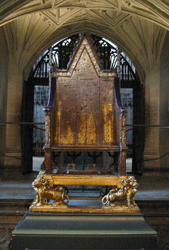 King Edward's Chair, in Westminster Abbey. Originally, the Stone of Destiny was kept in the gap beneath the seat; it is now held in Edinburgh Castle. SanktEdvardsstol westminster.jpg