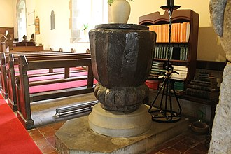 Efenechtyd - Image: Sant Mihangel a'r Holl Angylion, Efenechtyd, Sir Ddinbych 02
