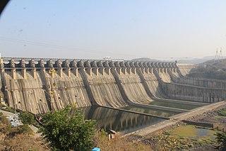 Sardar Sarovar Dam gravity dam on the Narmada River near Navagam, Gujarat in India