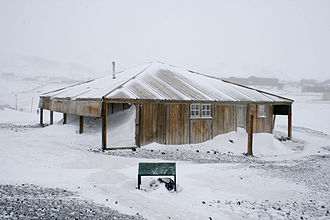 Discovery Hut - Discovery Hut in 2008. It was erected in 1902 by Robert Falcon Scott's 1903-1907 Discovery expedition.